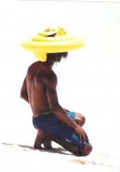 Oistins • locksed yute w. 'hat'